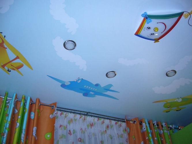 Натяжной потолок в детскую комнату на заказ, стоимость монтажа